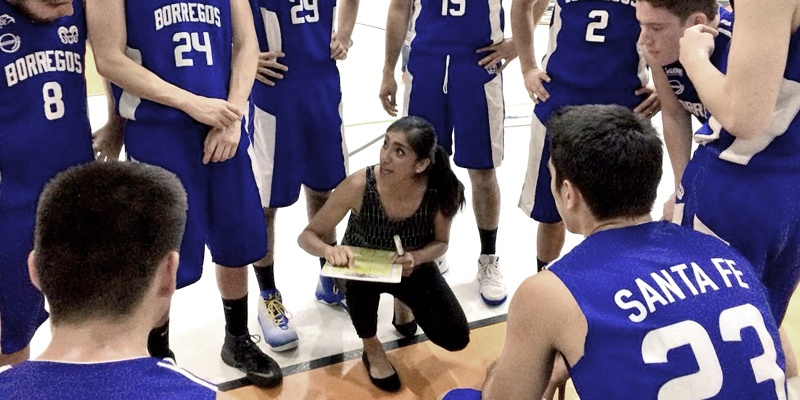 Angélica García Mancio motivada con sus equipos juveniles