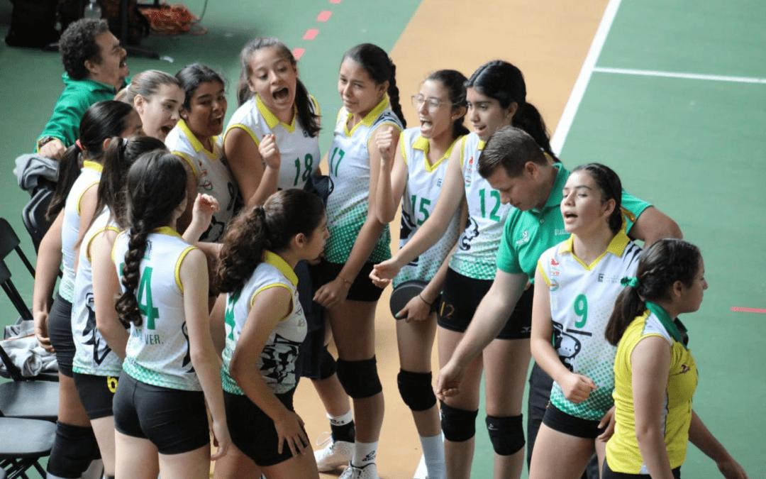 """El Colegio Las Hayas de Xalapa consiguió su pase al Campeonato Nacional del voleibol femenil Juvenil """"A"""""""