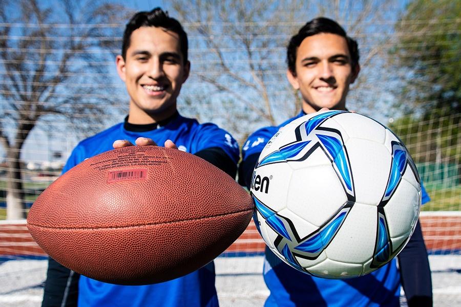Un balón no es suficiente para estos amigos deportistas